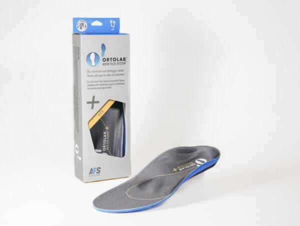 Ortolab AFS PLUS+ HÖG Ortolab AFS fotbädd ger fotvalvet ett dynamiskt stöd och stärker därmed fotens egen stötupptagning utan att låsa valvets naturliga rörelse. Passar dig med ett högt fotvalv. Plus+ passar i de flesta skor med urtagbar innersula. *OBS. Storlek 40 är även lämplig om du har stl 39 i skor. Storlek 45 är även lämplig om du har stl 44 i skor. Pris 499 kr/PAR